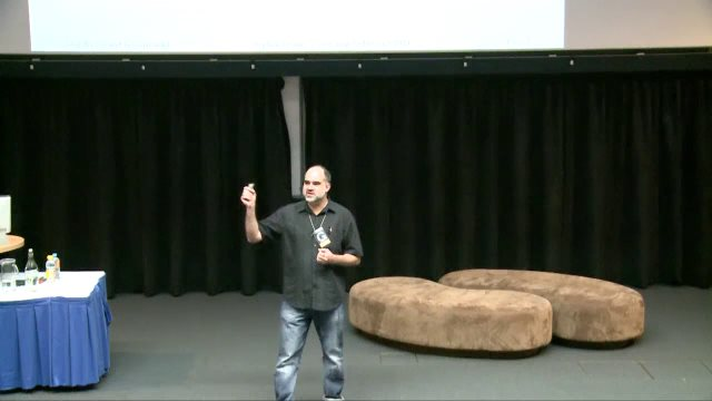 Screenshot of Stephen Cronin talking at WordCamp Gold Coast 2011